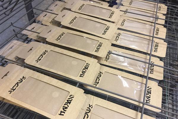 печать на коробочках для чехлов