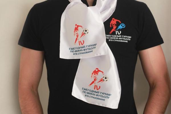 шарф с печатью футбольной символики