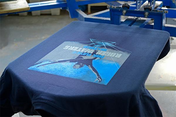 футболки с принтом пластизолью
