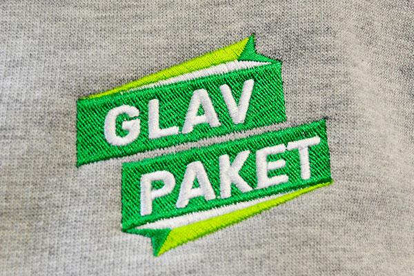 вышивка логотипа на толстовке
